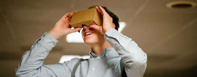 Virtual Reality: Innovation in Open Education